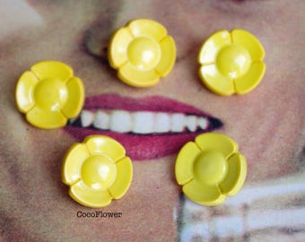 5 Sunflower Yellow buttons - 1.6 cm - antiques flower buttons - BOUTV19