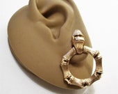 Avon Bamboo Magic Hoops Clip On Earrings Gold Tone Vintage 1972 Brushed Round Trapeze Round Brushed Door Knocker Rings