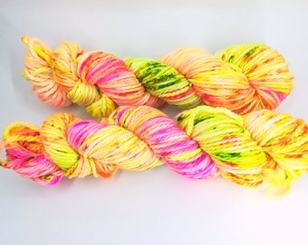 "Merino bulky neon hand dyed yarn - Knitting me softly base, colourway ""Tropical Speckled"""