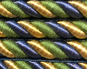 Cord with lip blue green and yellow
