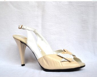SALE 80s Vintage High Heels Peep Toe Bow Shoes Size 9 10 Cream Off White Slingback Heels Shoes// 80s Cream White Wedding High Heels size 9 1