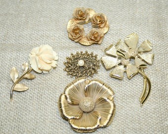 Vintage BROOCH Lot- Costume Jewelry- Gold Colored Brooches- Recycle Repurpose
