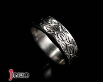 Titanium Men's handmade ring - Dragon Skin