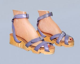 RESERVED--Rare!! 1950s Sandals / FLEXICLOGS!! / Lavender Purple Articulated Wood Vintage 40s 50s Shoes / Fully Adjustable Straps