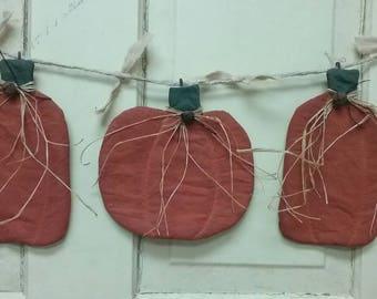 Primitive Pumpkins Garland - Set of 3 - Autumn Garland - Hanging Fabric Pumpkins - Country Primitive Grungy Decor - Wall Hanging