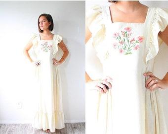 40% OFF CHRISTMAS in JULY Vintage cream floral Boho wedding dress // modest maxi dress // hippie cream short sleeve dress // bohemian goddes