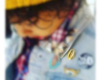 Golden Gold cowrie Shell Lapel Pin