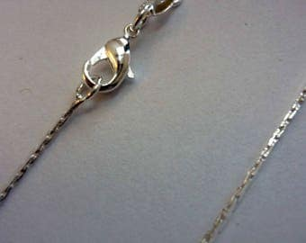 A pretty silver plated 43cm chain