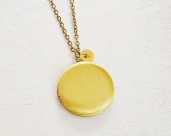 large gold locket, plain locket jewelry, keepsake, friend gift, round locket, family locket, bridesmaid, photo locket, monogram, christmas