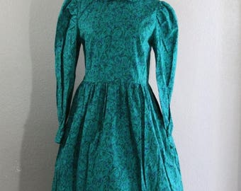 SALE authentic 1950s teal dress with leaves print and peter pan collar- size large SALE