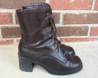 vtg 90s brown LACE UP Wingtip BOOTS chunky 9.5 lace up platform manmade vegan booties Victorian heels grunge brogues preppy shoes