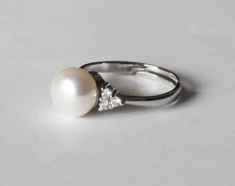 Real pearl CZ ring, Fresh water pearl ring, Crystal and pearl ring, Bridal ring, Wedding ring, birthday, Mother's gift, Christmas, CZ ring