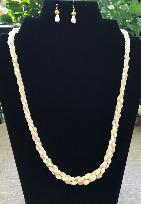 Vintage Mother of Pearl Necklace Set