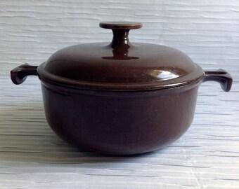 Le Creuset Enzo Mari Cast Iron Enamel  Covered Pan.  #17.  La Mama.  Brown & Cream.  Mid century, Eames era. France. Vintage  1960