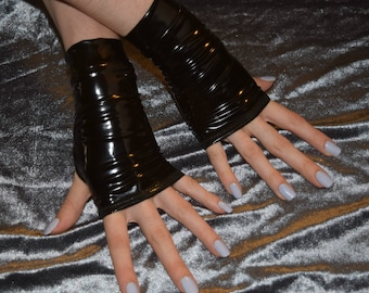 Black Shiny Wet Arm Wamers fingerless gloves sleeves sleeve gloss armwarmers armwarmer arm warmer thumbhole thumb hole glove futuristic glam