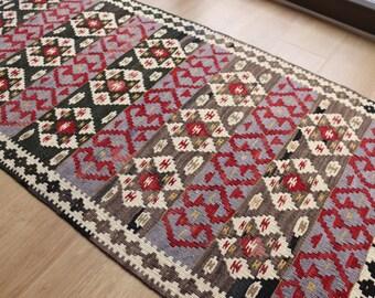 "Cute vintage kilim rug in perfect condition 123x64cm  48""x 25"" Handmade"