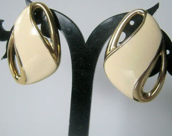 Trifari Enamel Clip On Earrings, Vintage Gold Tone Earrings, Fashion Jewelry