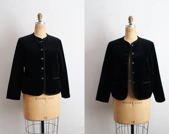 80s Velvet Black Jacket / 1980s Black Velvet Cropped Jacjet / Bolero Jacket / Golden Buttons Closure/ Size S/M