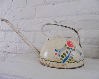Vintage Ohio Art Child's Round Watering Can