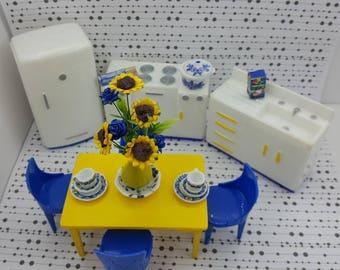 Plasco  Kitchen Toy Dollhouse Traditional Style 1944 fridge Stove Sink  Table Chairs Yellow Blue White