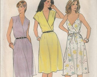 1970's Sewing Pattern Butterick 3657 Misses dress bust 31.5