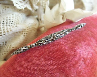 Vintage Antique Sterling Victorian Long Shaped Pin / Sterling Edwardian Brooch /  Rhinestones / C Clasp Closure / Bar Pin / Lapel Pin
