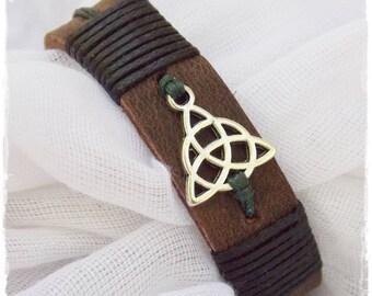 Men's Bracelet, Celtic Leather Bracelet, Trinity Knot Bracelet, Men's Leather Cuff Bracelet, Leather Triquetra Bracelet, Wiccan Leather Cuff