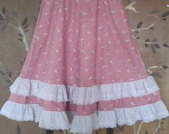 70s pink flowered prairie style full skirt with white embroidered eyelet trim hem