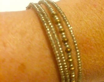 Gold & Bronze memory wire seed bead stretch bracelet