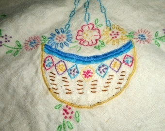 Linen Tablecloth, VIntage Linens, Embroidered Tablecloth, Small Tablecloth