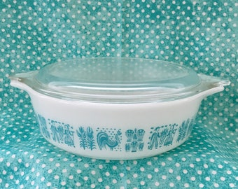 Pyrex Butterprint Covered 1 pt. Casserole ~~ Turquoise Butterprint/Amish ~~ Turquoise and White Pyrex ~~ #471