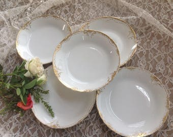Set of 5 soup bowls Theodore Haviland Limoges in the Schleiger pattern #133 circa 1904-1925 heavy wear on gold