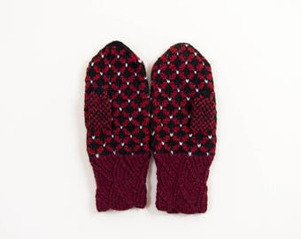 Hand Knitted Mittens, Latvian Mittens, Nordic Mittens - Red and Black, Size Small