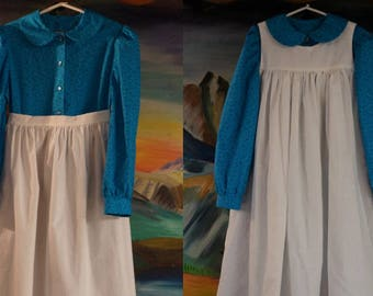 IN STOCK Girls' Turquoise Prairie Dress w/Optional Pinafore, Apron, Bonnet | Sizes 6-14 | Modest | Pioneer | Frontier | One Room Schoolhouse