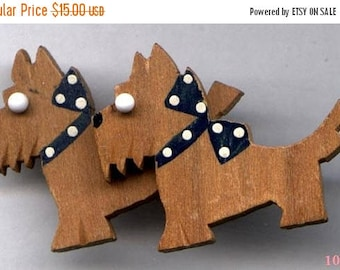 15% OFF SALE Wood Scottie Dogs Pin  Vintage 1930s   Item: 10547