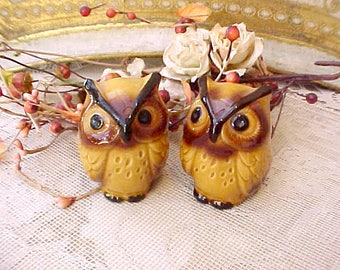Cute LIttle Pair of Vintage Owl Salt and Pepper Shakers