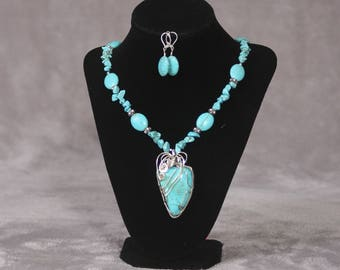 Turquoise- Elegant Necklace and Earrings
