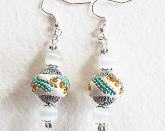 Boucles d'Oreilles Ethnique Chic - Matin Clair sur Varanasi - Perles Indonésiennes et Verre, Strass - Bijou créateur, pièce unique