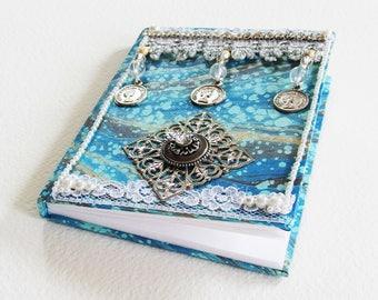 Carnet de Note Féerique - La Reine Bleue - Relié, pages blanches, couverture marbling - Création d'artiste en pièce unique