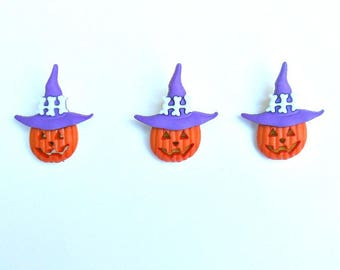 Set of 3 pumpkins with purple hats shank buttons