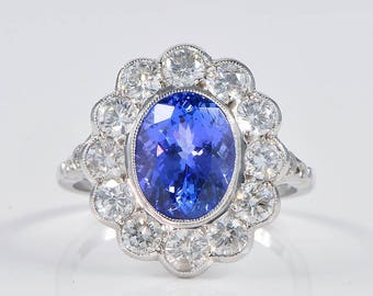 Spectacular 3.60 Ct tanzanite and 2.60 Ct G VVS/VS diamond vintage ring