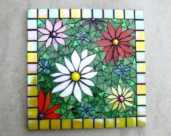 Garden Decoration, mosaic daisies, flowers, outdoor decor, yard art, garden gift, floral plaque, square, ladies gift,