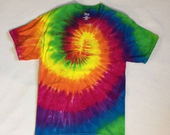 Adult Medium - Hanes beefy T Shirt - Rainbow Spiral
