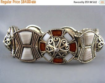 CIJ SALE Vintage Bracelet MIRACLE signed Beige White faux Agate Art Glass Golden Celtic