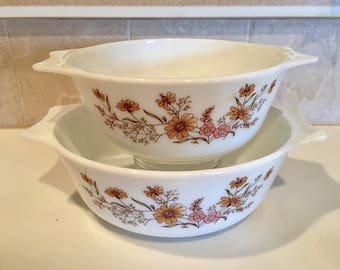 Pyrex England / 2 Vintage Pyrex Mixing Bowls w/ Handles Country Autumn Peach & Gold Flowers