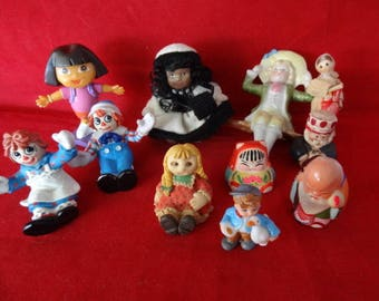 Craft Supplies - Set of 11 Miniature People, All Nationalities