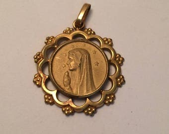 Beautiful vintage religious gold plated Mary medal