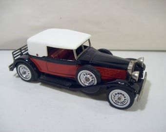 Vintage Matchbox Models of Yesteryear 1930 Packard Victoria Die-cast Car, England, 1:46 Scale