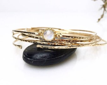 Genuine Moonstone Bangle Bracelet / 14k Gold Filled or Sterling Bangle / June Birthstone / Mothers Jewelry / Gemstone Bangle / Gift for Mom