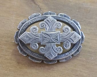 Vintage Silver Sweetheart Brooch - Hand Engraved